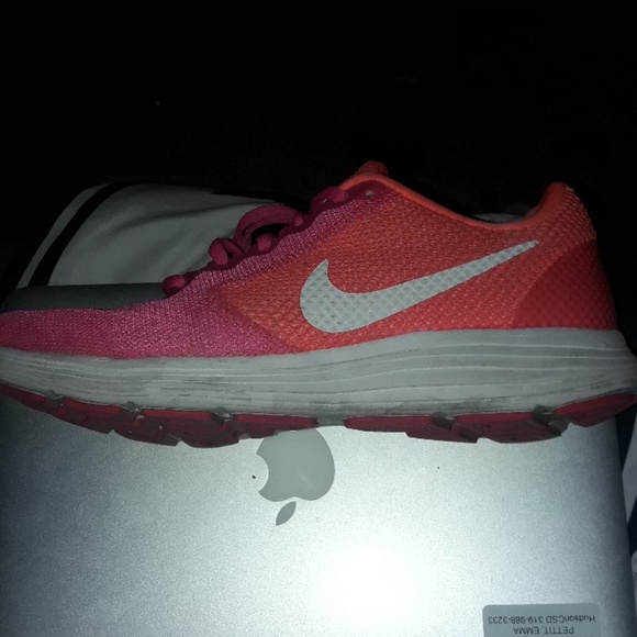 0d469043a56ee Nike Shoes   Neon Pink And Orange Running   Poshmark